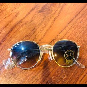 Accessories - Brand new 55mm blue gradient sunglass